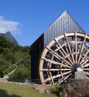カラクリ水車の小屋