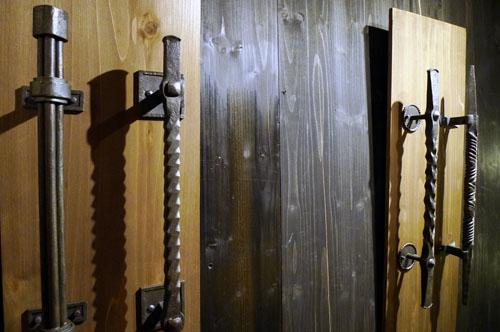 空間×鉄×植物 ドアの取手