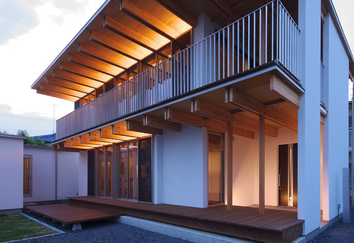 木骨の白い家