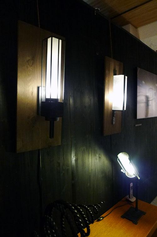 空間×鉄×植物 照明器具とオイルランプ