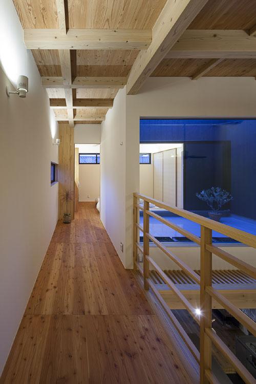 寝室への道のり @焼杉に包まれた優しい木の家 その9