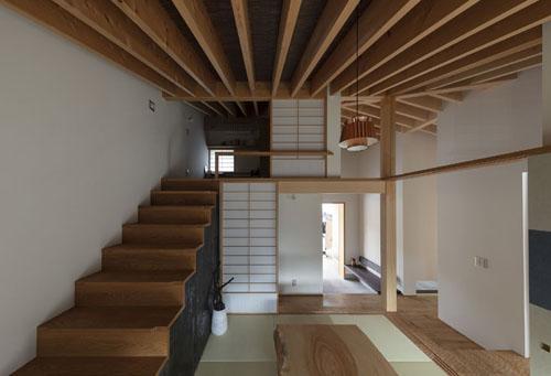 広がりを感じる広間 紡|紀州のセミコートハウス その7