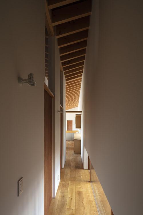 個室と前廊下 紡|紀州のセミコートハウス その13