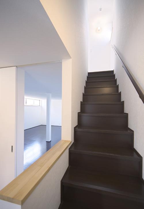 切妻の黒い家 その3 ワンルームの1階