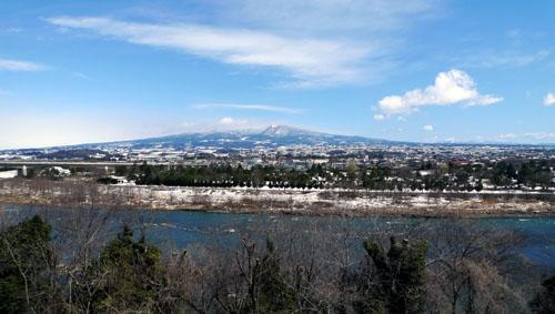 赤城山を望む家